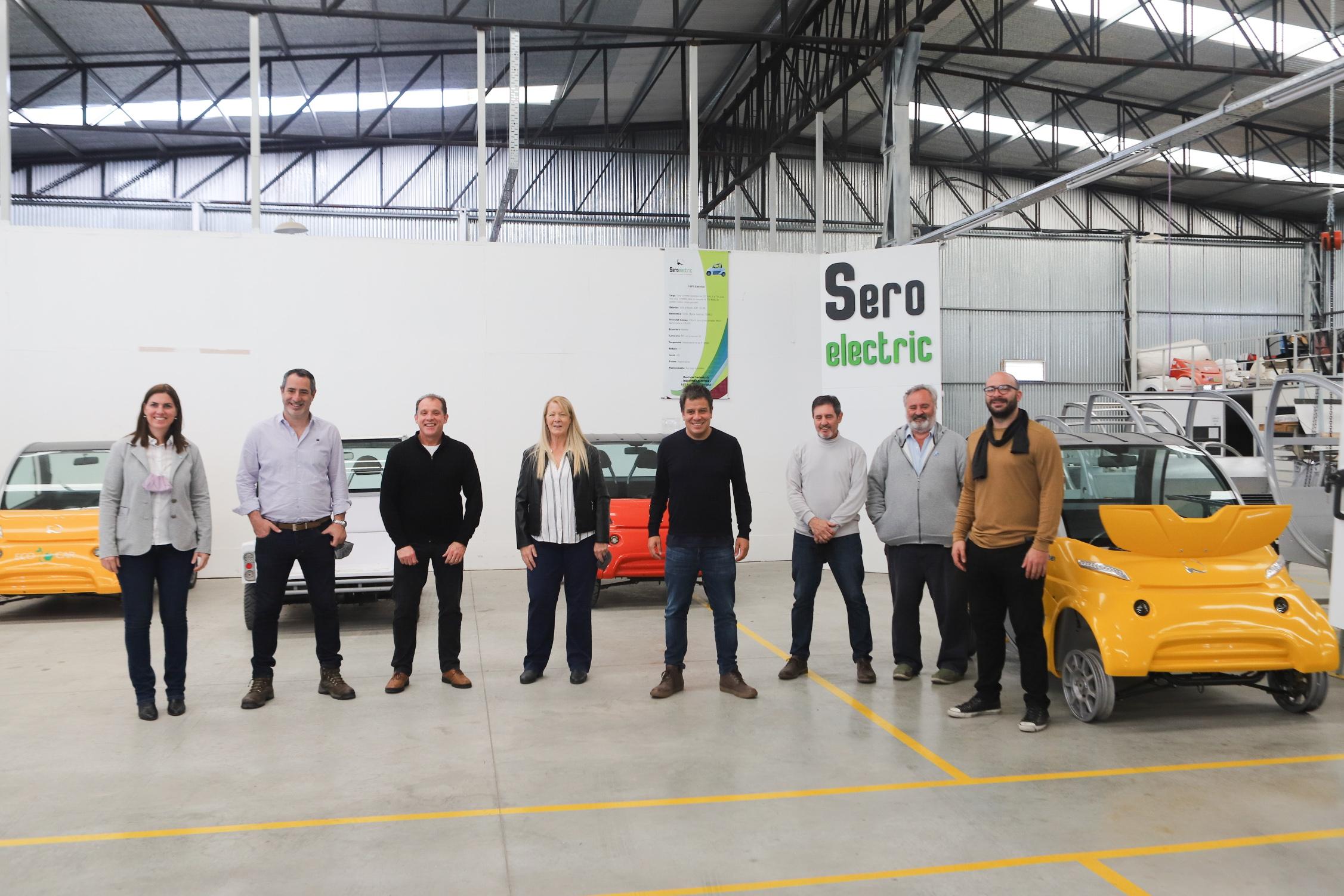 Facundo Manes y su equipo visitan SEROELECTRIC